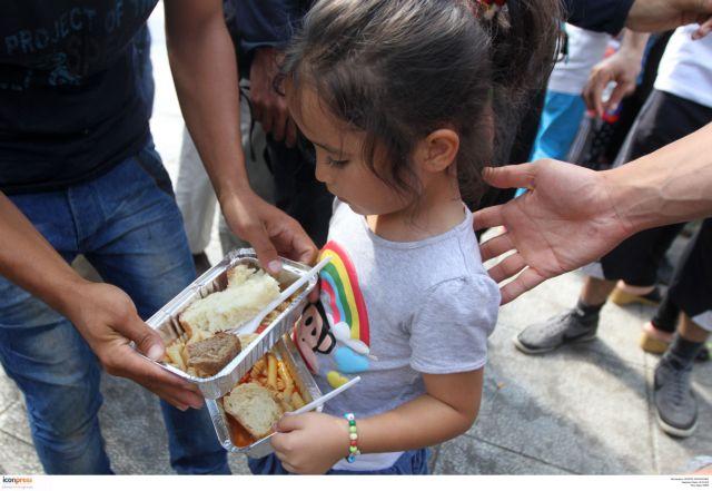 Ν. Τόσκας: Υπ΄ αριθμόν ένα πρόβλημα η σίτιση των μεταναστών | tovima.gr