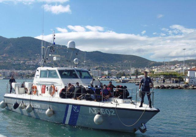 Coast Guard carrying out rescue operation off the coast of Mytilene   tovima.gr