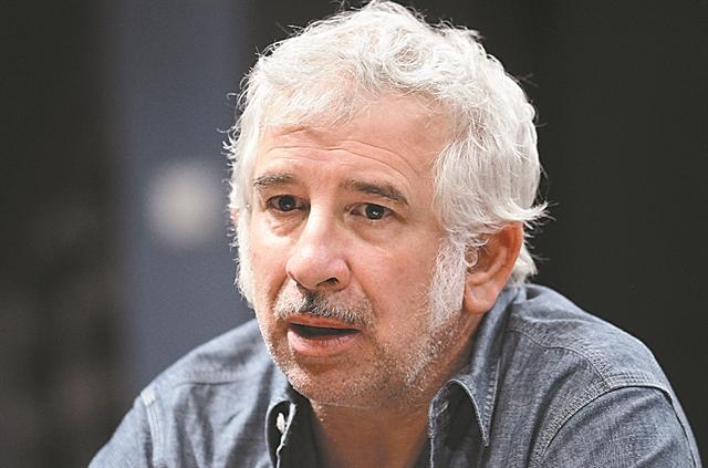 Πέτρος Φιλιππίδης : Σταματούν οι επαναλήψεις των σίριαλ που έπαιζε   tovima.gr