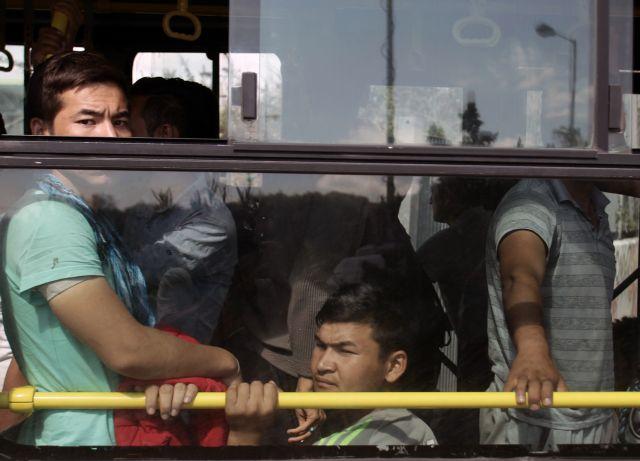 Ο συνδικαλιστής, το λεωφορείο και οι πρόσφυγες   tovima.gr