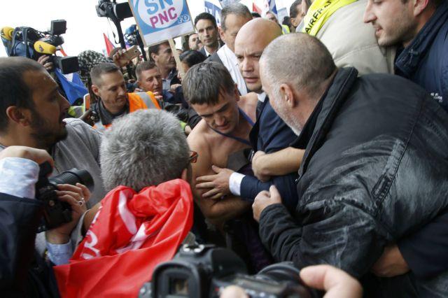 Γαλλία: Συνελήφθησαν τέσσερις εργαζόμενοι της Air France | tovima.gr