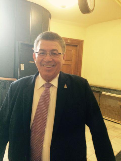 Οταν τα νησιά Κέιμαν «εισέβαλαν» στη Βουλή | tovima.gr