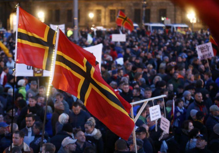 Δρέσδη: Κρεμάλες για την Μέρκελ έβγαλε το ξενοφοβικό Pegida | tovima.gr
