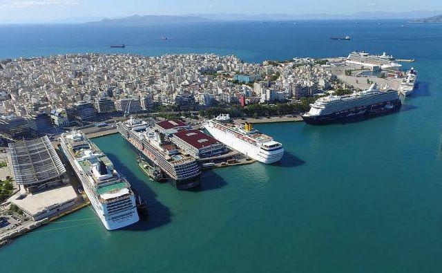Επτά κρουαζιερόπλοια στο λιμάνι του Πειραιά | tovima.gr