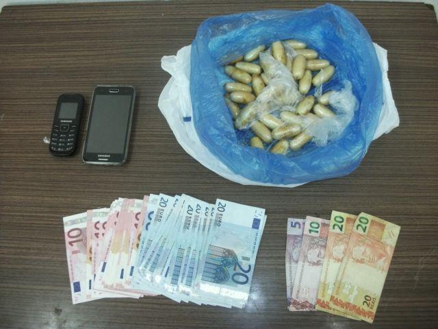 Συνελήφθη 38χρονη για εισαγωγή κοκαΐνης στην Ελλάδα   tovima.gr