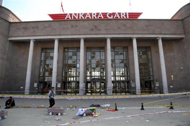 «Πλατεία Δημοκρατίας» ονομάστηκε το σημείο της επίθεσης στην Άγκυρα   tovima.gr