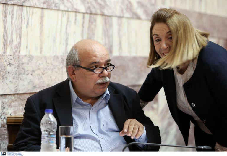 «Ψαλίδι» στα προνόμια πρώην πρωθυπουργών-προέδρων Βουλής | tovima.gr
