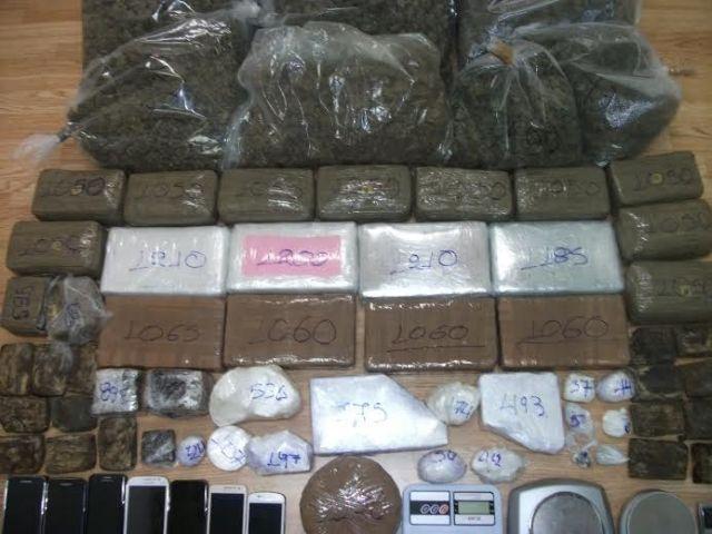 Συνελήφθησαν «επαγγελματίες» διακινητές ναρκωτικών | tovima.gr