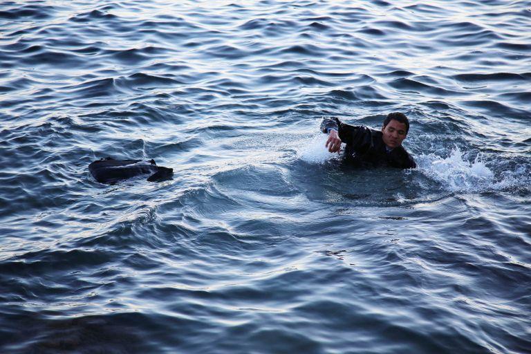 Μυτιλήνη: Νεκρή μία γυναίκα και δύο παιδιά σε ναυάγιο με μετανάστες και πρόσφυγες | tovima.gr