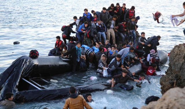 Περίπου 15.000 πρόσφυγες έφτασαν το τελευταίο διήμερο στα νησιά | tovima.gr
