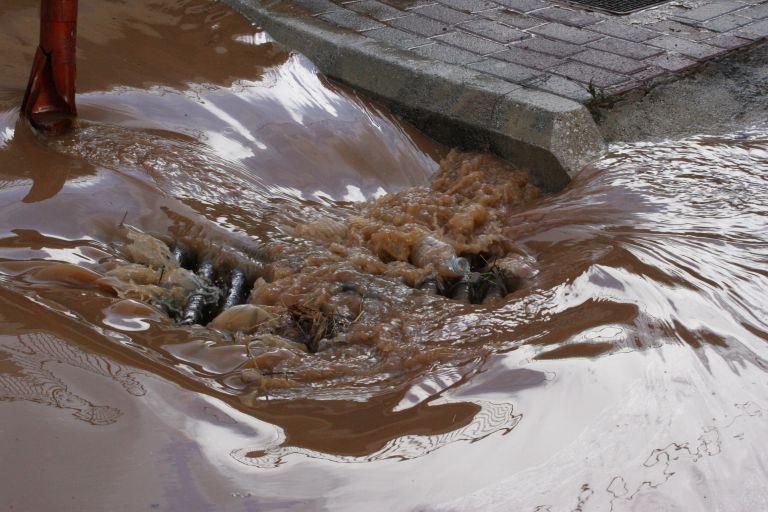 Σε κατάσταση έκτακτης ανάγκης κηρύχθηκε η Υδρα | tovima.gr