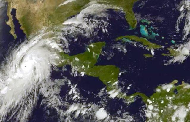 Κυκλώνας ιστορικών διαστάσεων πλησιάζει το Μεξικό | tovima.gr