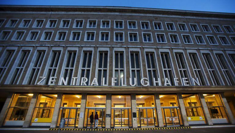 Βερολίνο: Το συγκυβερνών SPD υπό πίεση να δεχθεί ζώνες τράνζιτ για πρόσφυγες   tovima.gr