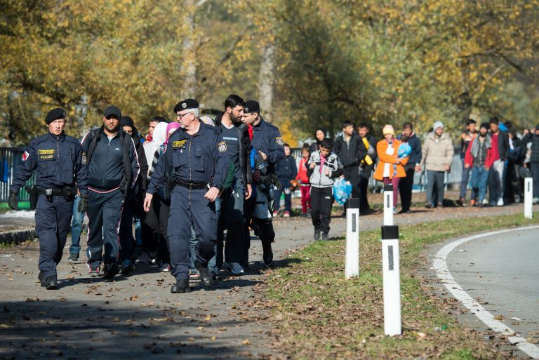 Ντάισελμπλουμ: Προτείνει υποδοχή προσφύγων ή ψαλίδι σε κονδύλια | tovima.gr