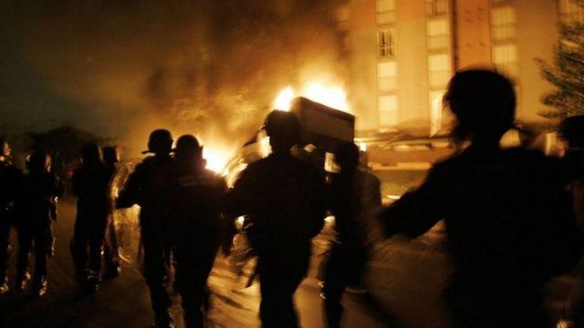 Γαλλία: Mπορούν να πάρουν ξανά φωτιά τα υποβαθμισμένα προάστια;   tovima.gr