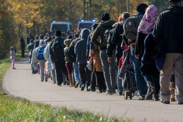 Σόιμπλε: Yψιστο καθήκον η αντιμετώπιση της προσφυγικής κρίσης   tovima.gr