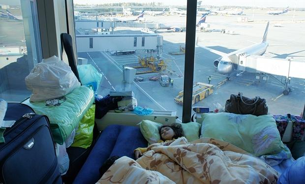 Ρωσία: Οικογένεια Κούρδων ζει 40 μέρες στο αεροδρόμιο της Μόσχας | tovima.gr