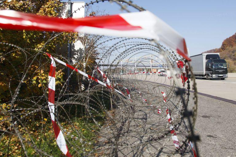 Σλοβενία: Στήνεται φράχτης για τους πρόσφυγες στη μεθόριο με Κροατία | tovima.gr