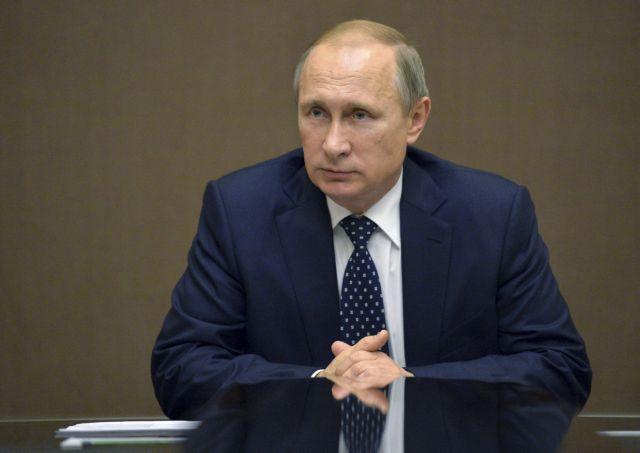 Αμεσα και έντονα καταδίκασε ο Πούτιν τις «φρικιαστικές επιθέσεις» στο Παρίσι | tovima.gr