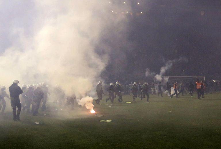 Panathinaikos-Olympiacos derby postponed due to hooligan violence | tovima.gr