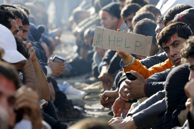 Δύο κόσμοι στην Ειδομένη: Αυτοί που μένουν και αυτοί που φεύγουν   tovima.gr
