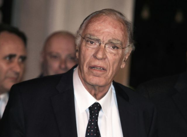 "Leventis: ""Karamnlis is pulling strings to form an ecumenical government"" 
