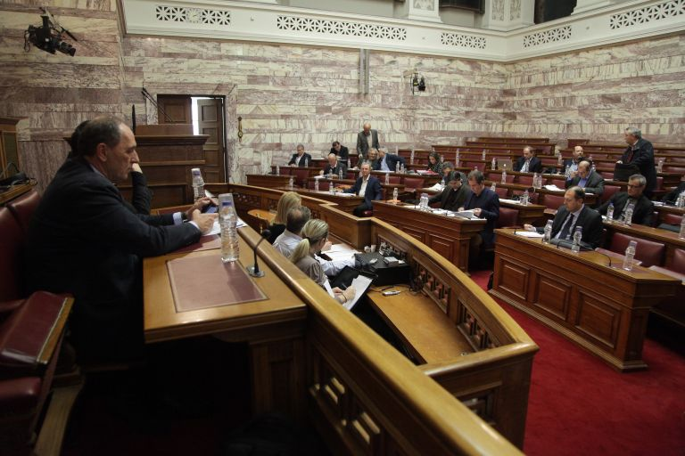 Δεκτό κατά πλειοψηφία το νομοσχέδιο για τα προαπαιτούμενα – Την Τρίτη ψηφίζεται στην Ολομέλεια της Βουλής (live)   tovima.gr