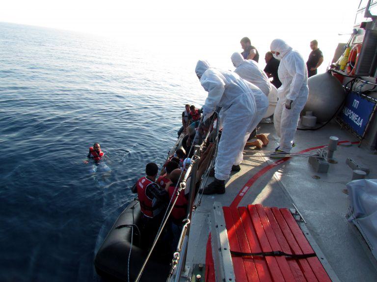 Αβραμόπουλος: Προστατεύουμε και ενισχύουμε τη Συνθήκη Σένγκεν | tovima.gr