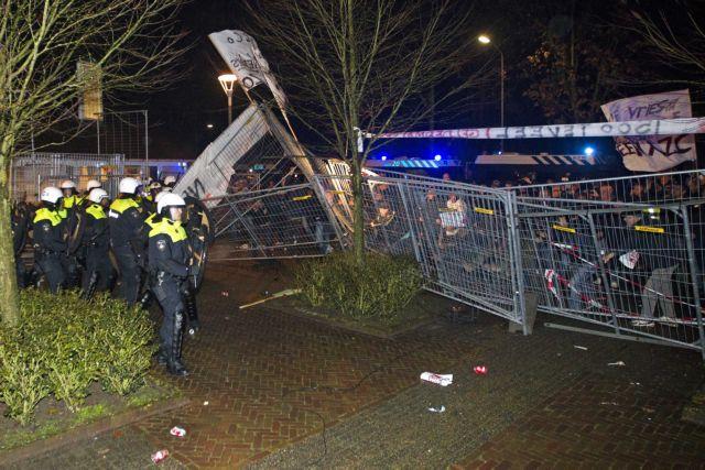 Επεισόδια στην Ολλανδία σε αντιμεταναστευτική διαδήλωση | tovima.gr