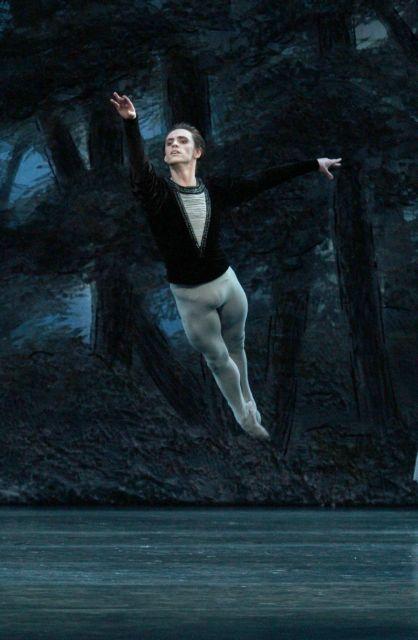 24bc74bb791 Σεργκέι Πολούνιν: Το κακό παιδί του μπαλέτου στην Αθήνα με «Ζιζέλ»   tovima