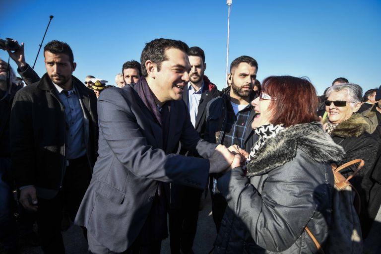 Πρωινή επίσκεψη Τσίπρα σε Κερατσίνι και Δραπετσώνα | tovima.gr