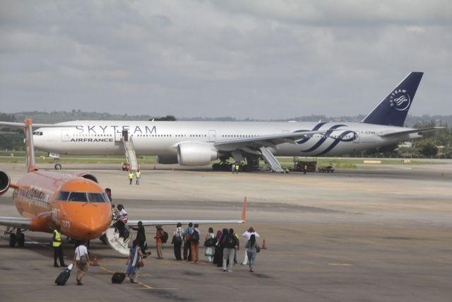 Αναγκαστική προσγείωση αεροσκάφους της Air France στην Κένυα | tovima.gr