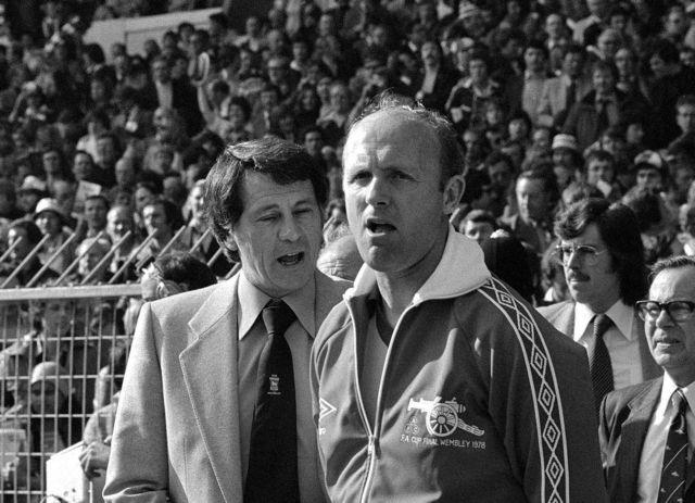 Απεβίωσε ο άγγλος παλαίμαχος ποδοσφαιριστής και προπονητής, Ντον Χάου | tovima.gr