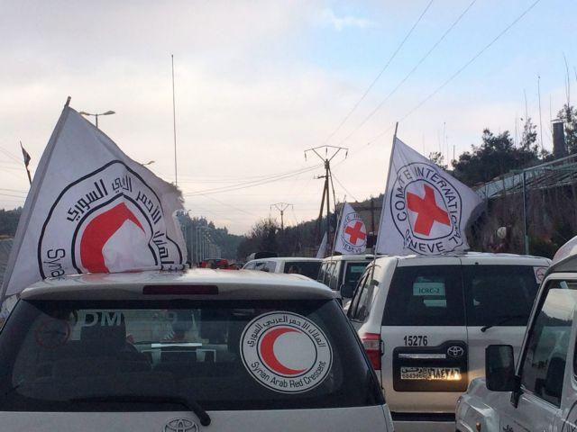 Ανθρωπιστική βοήθεια σε προάστιο της Δαμασκού μετά από 4 χρόνια | tovima.gr