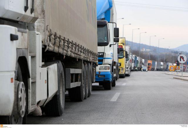 Νταλίκες εκτός ελέγχου, «όμηροι» οι οδηγοί | tovima.gr