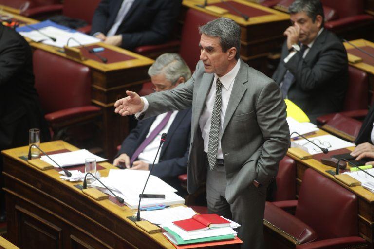 Λοβέρδος: Σε μας δεν θα βρείτε χρήσιμους ηλίθιους – Κουρουμπλής: Θυμηθείτε τι έπαθε η Ένωση Κέντρου | tovima.gr