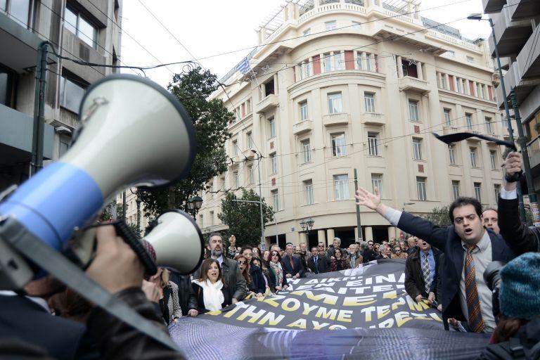 Συνεχίζουν ως τις 6 Ιουνίου την αποχή οι δικηγόροι   tovima.gr