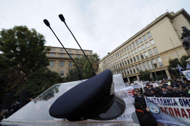 Οι αυξήσεις που θα λάβουν οι ένστολοι μετά την απόφαση του ΣτΕ   tovima.gr