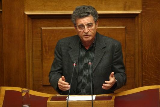 Ηλ. Καματερός: «Ο κ. Παπαγγελόπουλος έχει κι αυτός ευθύνη που πέρασε η διάταξη για τις offshore» | tovima.gr