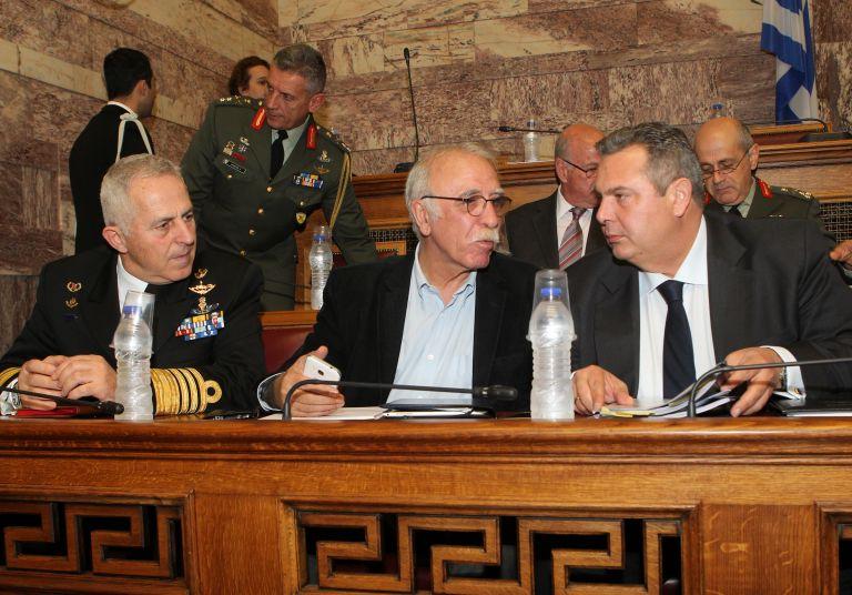 Ψηφίστηκε με ευρεία πλειοψηφία το νομοσχέδιο για τις Ένοπλες Δυνάμεις | tovima.gr