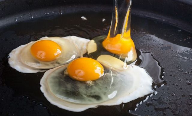 Αυγό: Η υπερτροφή που μας κάνει καλό σε όλη τη ζωή μας   tovima.gr
