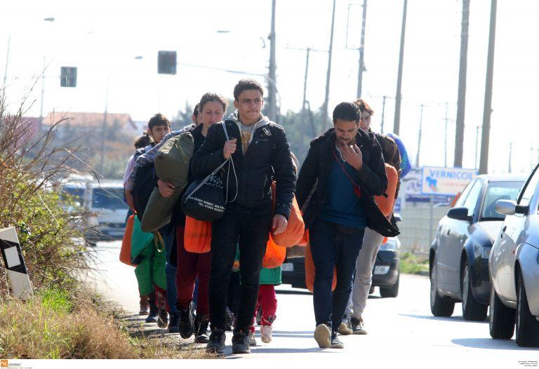 Θεσσαλονίκη: 41 πρόσφυγες εγκαταλήφθηκαν από διακινητές | tovima.gr