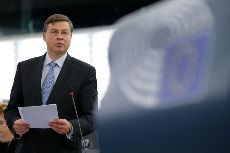 Ντομπρόβσκις: Ίσως παγώσουν τα διαρθρωτικά κεφάλαια για Ισπανία-Πορτογαλία   tovima.gr