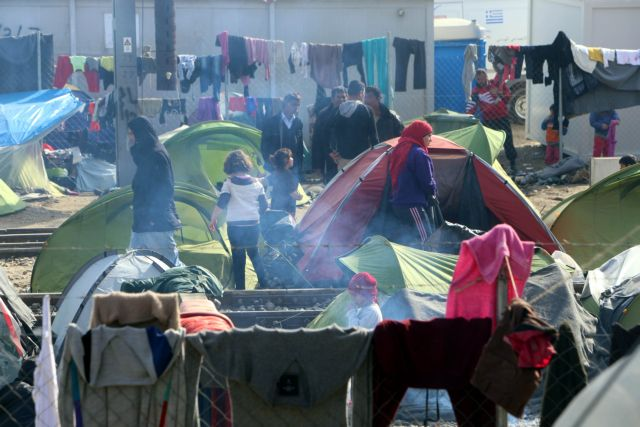 """Tzitzikostas: """"Criminal offenses are being carried out in Idomeni"""" 