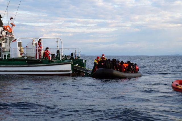 Με δύο πλοιάρια έφθασαν 305 Σύροι πρόσφυγες στην Κύπρο | tovima.gr