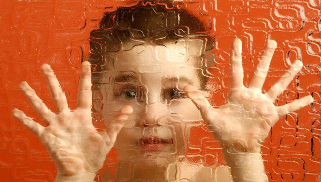 Ανακαλύφθηκαν 18 νέα γονίδια που σχετίζονται με τον αυτισμό | tovima.gr