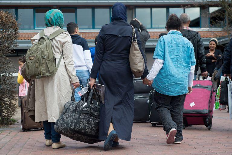 FAZ: 4,5 δισ. ευρώ για το προσφυγικό στη Γερμανία | tovima.gr