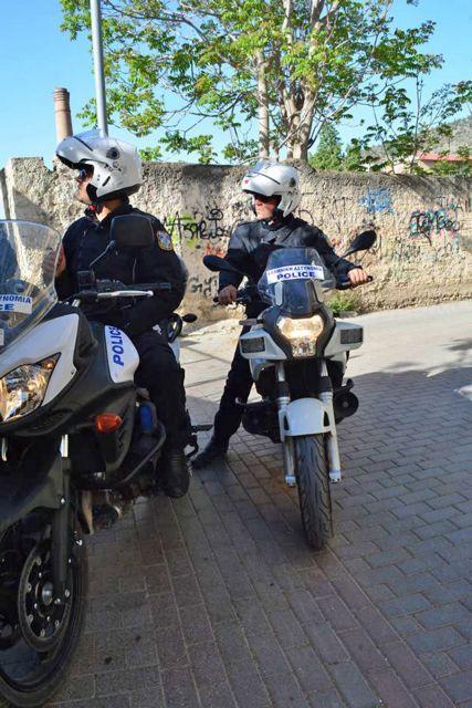 Τρίκαλα: Σύλληψη 57χρονου για μεταφορά παράτυπων μεταναστών   tovima.gr