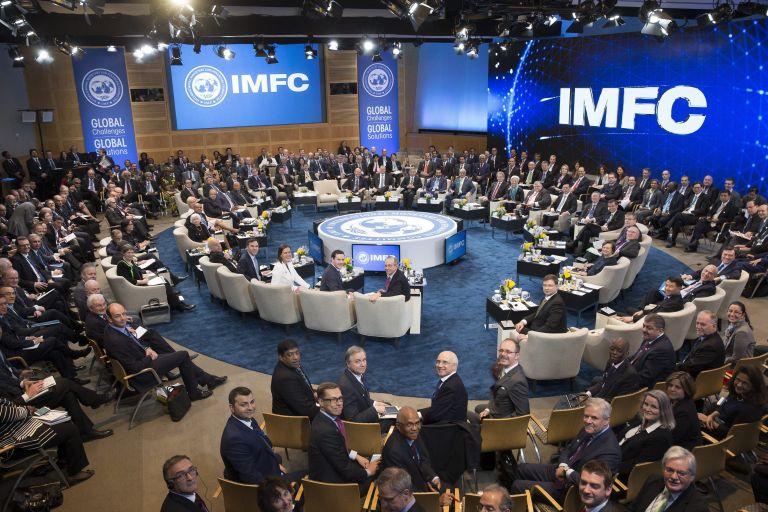 ΔΝΤ: Κρούει τον κώδωνα κινδύνου για την ιταλική τραπεζική κρίση | tovima.gr