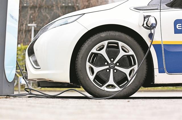 Κίνητρα για την αγορά ηλεκτρικών οχημάτων | tovima.gr